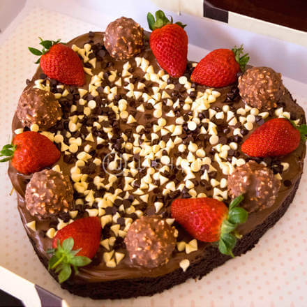 Ferrero Strawberry Heart Cake