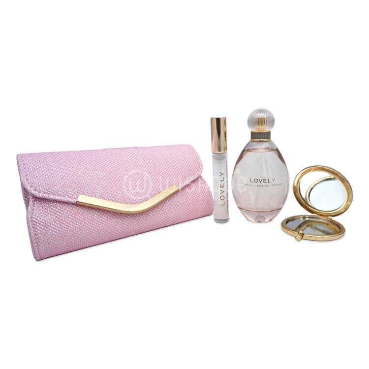 Lovely Sarah Jessica Parker 4 Piece Gift Set
