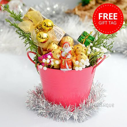 Santa Claus's Coming To The Town Chocolate Hamper with Free Xmas Gift Tag