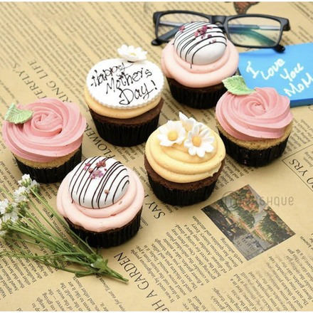 Vintage Blooms For Mom Cupcake 6 Pack