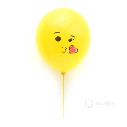 Sweet Kiss Emoji Balloon