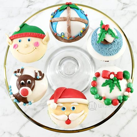 The Christmas Chronicles Cupcake 6 Pack