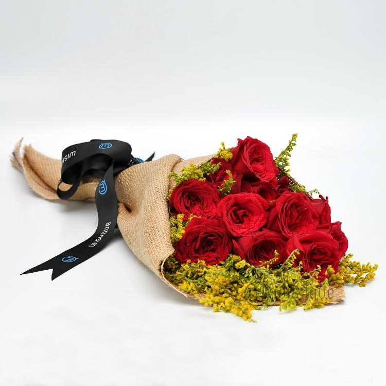We're High On Love Rosses Natural Jute Bouquet