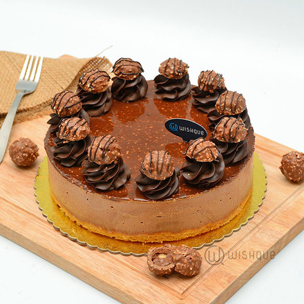 Ferrero Hazelnut Crunch Chocolate Cheesecake