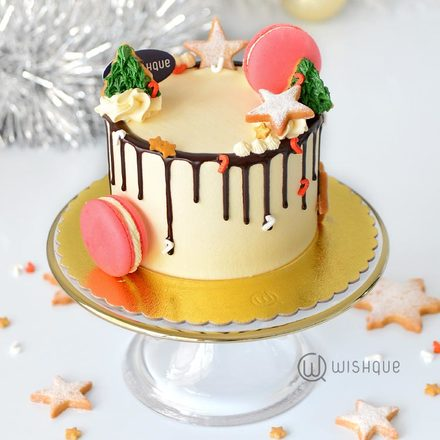 Very Merry Cookie-Wreath Mini Buttercream Cake