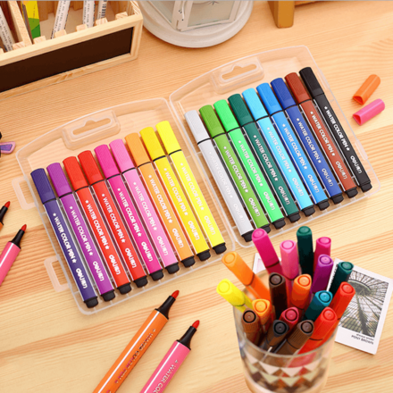 18 Colouring Pens Suitcase