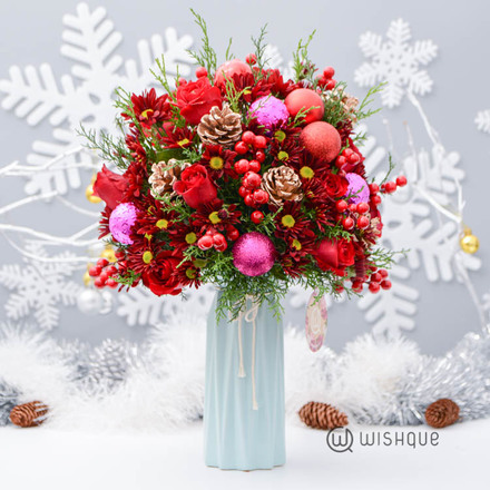 Very Merry Christmas Roses Arrangement